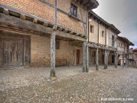 Calle principal - Calatañazor, Soria, Castilla y León