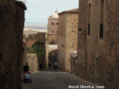 Calle del casco histórico de Cáceres - Cáceres, Cáceres, Extremadura