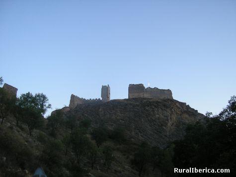 luna y castillo - Bijuesca, Zaragoza, Aragón