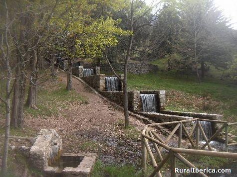Nacimiento Fuenmayor, Parque Natural de Sierra Magina, Torres - Torres, Ja�n, Andaluc�a