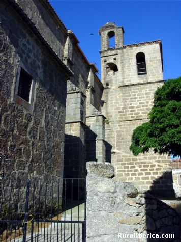 Vista lateral Iglesia. Villafranca de la Sierra, Ávila - Villafranca de la Sierra, Ávila, Castilla y León