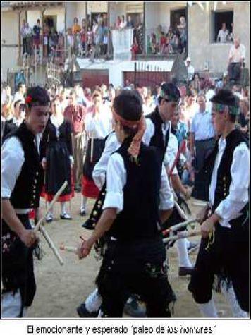 Danza típica en Santibáñez de la Sierra, Salamanca - Santibáñez de la Sierra, Salamanca, Castilla y León