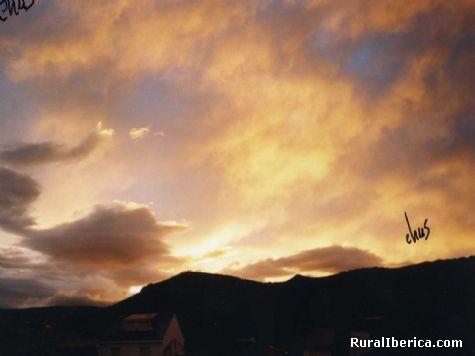 Puesta de sol en Pet�n. Pet�n, Orense - Pet�n, Orense, Galicia