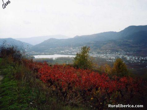Vista de A Rúa y Petín desde el pueblo de Sampayo, Orense - Sampayo, Orense, Galicia