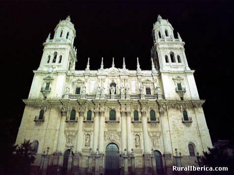 Fachada principal de la Catedral de Jaén de noche. - Jaén, Jaén, Andalucía