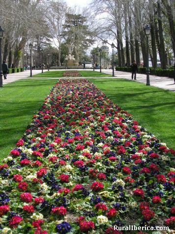 Fotos jardines de el retiro madrid for Jardines de madrid