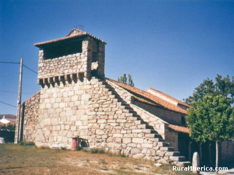 El Campanario de la Iglesia de Navadijos - Navadijos, Ávila, Castilla y León