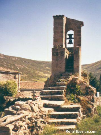 La torre de la Iglesia de Navalsauz - Navalsauz, Ávila, Castilla y León