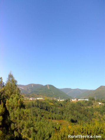 Córgomo visto desde Valdegodos. Valdeorras, Orense - Valdeorras, Orense, Galicia