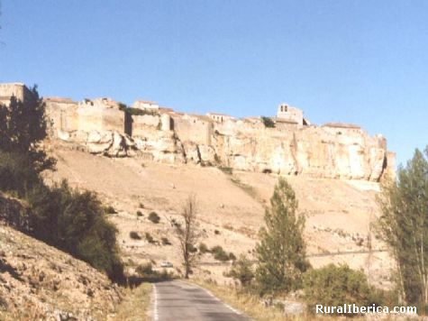 Murallas de la singular villa de Rello - Rello, Soria, Castilla y Le�n