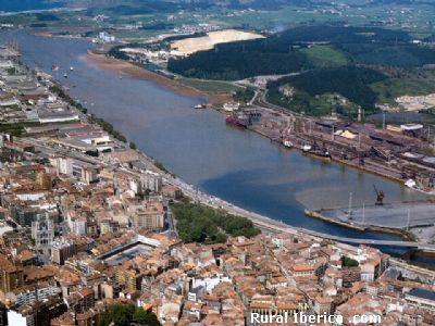 Vista aerea de la Ría de Avilés - Avilés, Asturias, Asturias