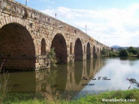 Puente Romano (Siglo I), Río Guadiana. Mérida, Badajoz - Mérida, Badajoz, Extremadura