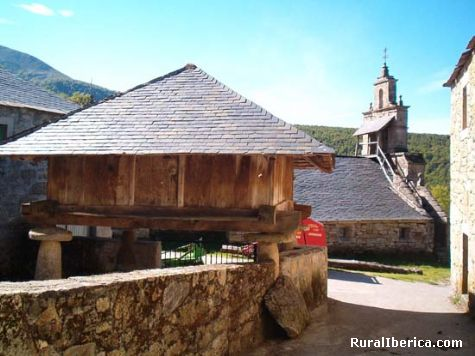 Hórreo e iglesia - Suarbol, León, Castilla y León
