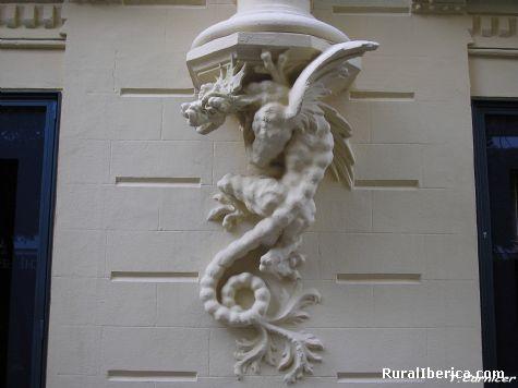 Casa dragones. Valencia - La Ca�ada-Paterna, Valencia, Comunidad Valenciana