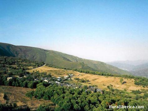 Panoramica del pueblo de Roblido. A Rua, Orense - A Rua, Orense, Galicia
