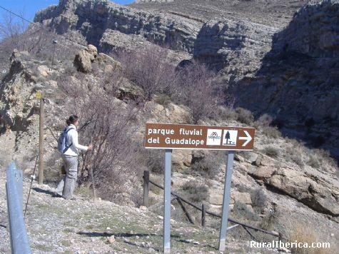 Parque fluvial. Villarroya de los Pinares, Teruel - Villarroya de los Pinares, Teruel, Aragón